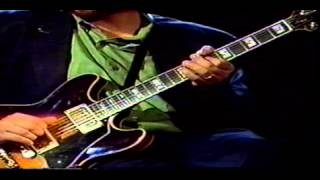 Guitar lessons: John Scofield - Jazz Funk Guitar Part 1
