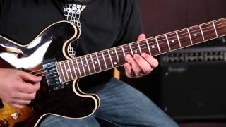 Blues Rock Soloing Guitar Lesson - Playing over Chords with Arpeggios