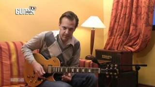 Joe Bonamassa - Twelve-bar blues lesson.