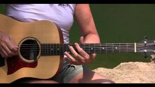 Acoustic Blues in Cm with licks 2 - Riff & Chord Progression Lesson - Learn Blues Guitar